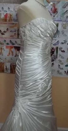 Alfred Angelo Ivory Charmeuse 2362 Formal Wedding Dress Size 10 (M)