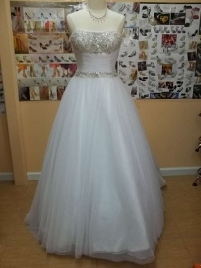 Alfred Angelo White/Metallic Soft Net 2376 Formal Wedding Dress Size 8 (M)