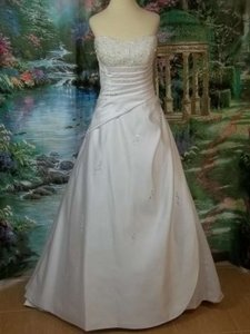 Alfred Angelo 1136 Wedding Dress