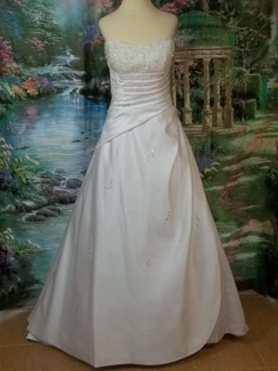 Alfred Angelo White Satin 1136 Formal Wedding Dress Size 10 (M)