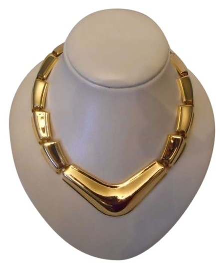 Preload https://item3.tradesy.com/images/napier-gold-statement-necklace-133962-0-0.jpg?width=440&height=440