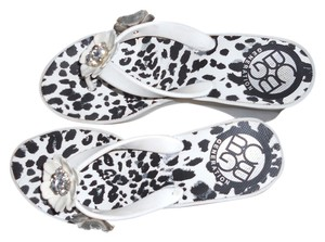 BCBGeneration Black / White Wedges