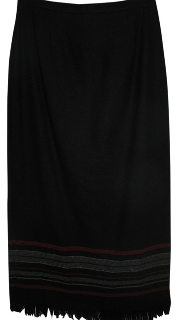 requirements Skirt black with stripes and fringe on bottom