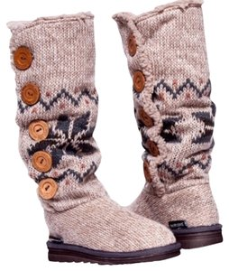 SOLD !Muk Luks Boots