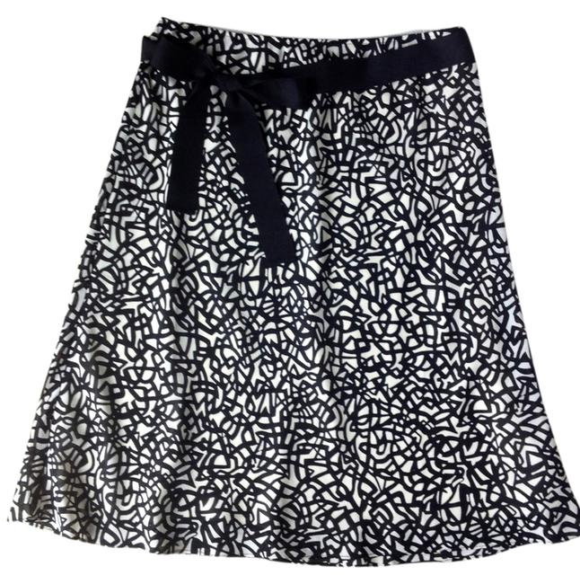 New York & Company Skirt Black and Ivory Abstract Print