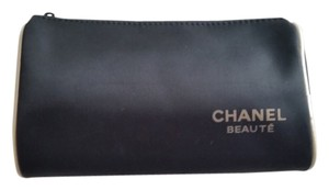 Chanel NWOT Chanel lined microfiber cosmetic bag