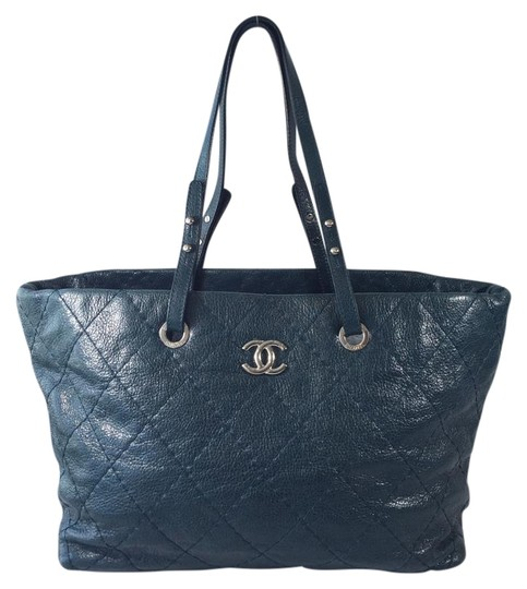 Preload https://item1.tradesy.com/images/chanel-large-on-the-road-dark-teal-glazed-leather-tote-1340535-0-2.jpg?width=440&height=440