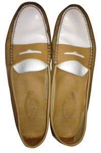 Tod's White Driving Mocs Casual Tan Flats