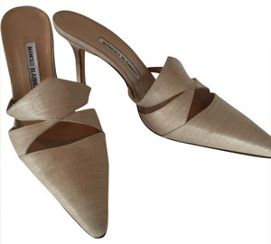 Manolo Blahnik Pointed-Toe Mules Flax/Taupe Formal
