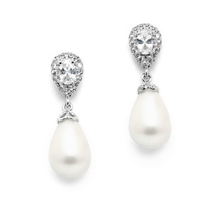 Mariell Cz Pear Bridal Earrings With Bold Soft Cream Pearl Drops 4516e-i-s