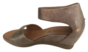 Paul Green Imported Germany Gold/metallic Wedges