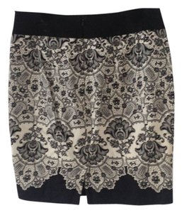 Review Mini Skirt Black and White