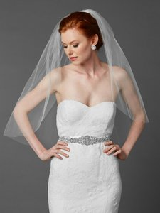 Mariell Classic Elbow Or Waist Length Single Layer Cut Edge Wedding Veil 4433v-30-w