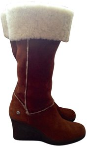 UGG Australia Uggs Vintage Wedge Tan w/ fold-over shearling Boots