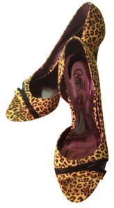 Carlos by Carlos Santana Yellow Leopard Print Pumps