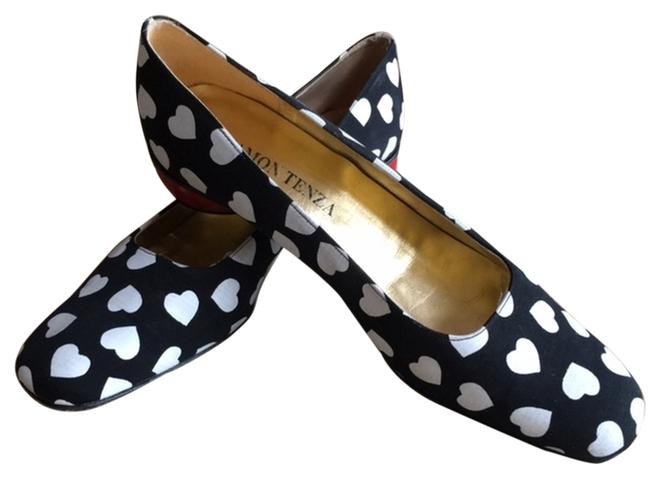 Item - Black White and Red Hearts Flats Size US 9 Narrow (Aa, N)