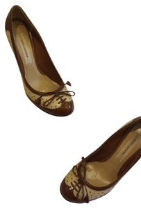 Marc Jacobs Brown and camel Pumps