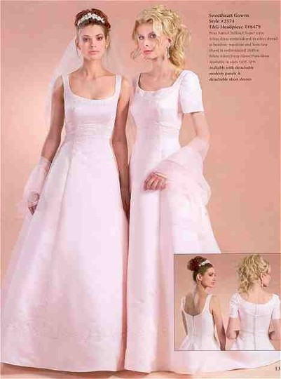 Preload https://img-static.tradesy.com/item/1342742/sweetheart-clothing-white-with-silver-embroidery-wedding-dress-size-10-m-0-0-540-540.jpg