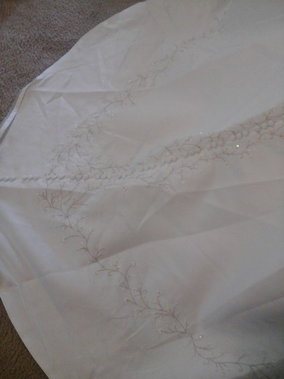 Sweetheart Clothing White with Silver Embroidery Wedding Dress Size 10 (M)