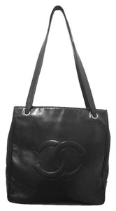 Chanel Vintage Leather Cc Tote in Black