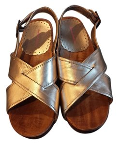 Hanna Andersson Metallic Clogs Wooden Boho Wedding Silver Sandals
