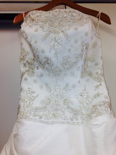 Casablanca White Wedding Dress Size 8 (M)