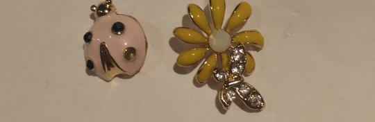 Other New Lady Bug Daisy Stud Earrings Gold Tone Flower J2259 Image 3