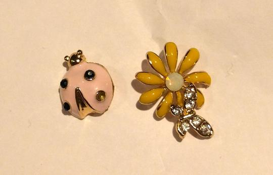 Other New Lady Bug Daisy Stud Earrings Gold Tone Flower J2259 Image 5