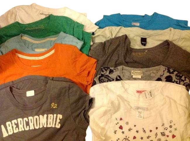 Preload https://img-static.tradesy.com/item/134318/hollister-12-lot-of-t-shirts-abercrombie-aeropostale-charlotte-russe-guess-hurley-hot-topic-obey-for-0-1-650-650.jpg