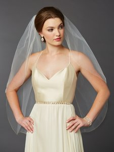 Mariell Gold Pencil Edge Fingertip Or Hip Length Single Layer Wedding Veil 4434v-36-l-g