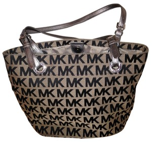 Michael Kors Tote in Black/Gray