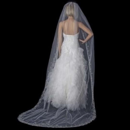 Preload https://img-static.tradesy.com/item/134373/elegance-by-carbonneau-whitesilver-long-cathedral-beaded-embroidery-bridal-veil-0-0-540-540.jpg