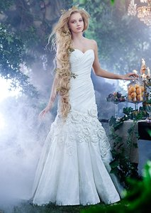 Alfred Angelo White Taffeta Disney's Fairy Tale Collection Rapunzel 233 Traditional Wedding Dress Size 8 (M)