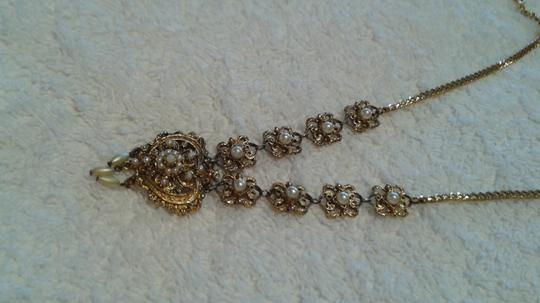 Other Vintage faux pearl/gold heart necklace Image 3