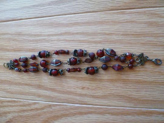 Other Red Glass Bead Bracelet Image 1