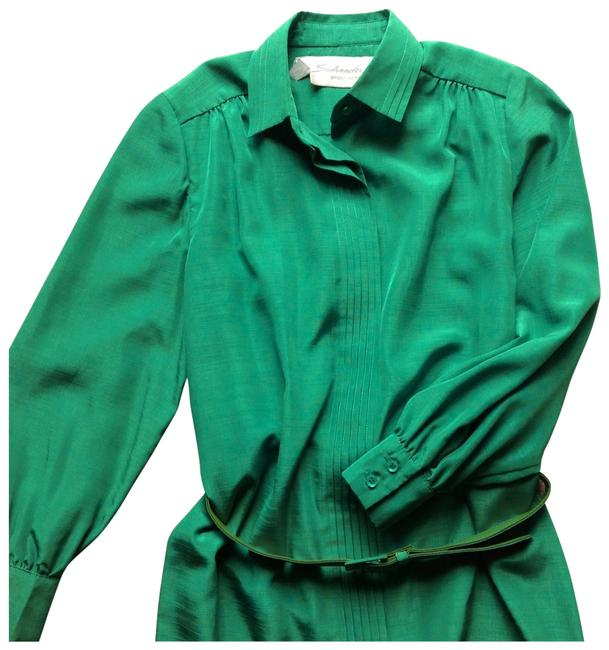 Preload https://item5.tradesy.com/images/emerald-green-vintage-short-matching-belt-details-excellent-condition-workoffice-dress-size-petite-1-134404-0-0.jpg?width=400&height=650