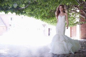 Alvina Valenta 9350 Wedding Dress