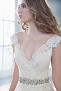Alvina Valenta 9412 Wedding Dress