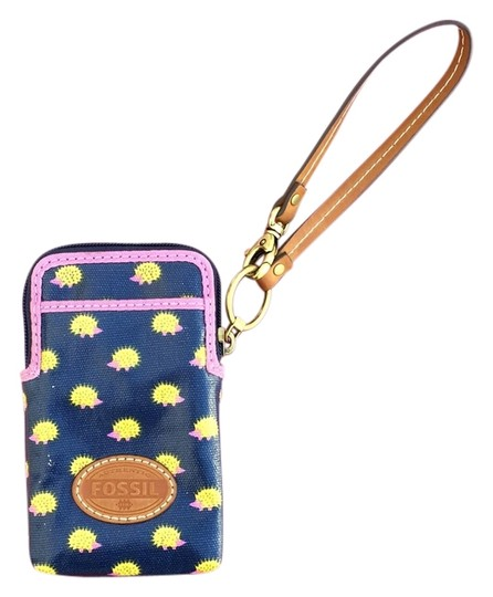 Fossil Wristlet Image 0