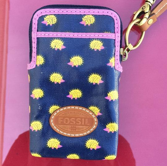 Fossil Wristlet Image 1