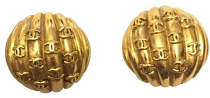 Chanel Chanel Gold Tone Clip On Button Earrings