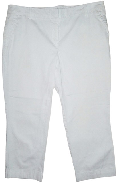 Preload https://item1.tradesy.com/images/new-york-and-company-white-capris-1344445-0-0.jpg?width=400&height=650