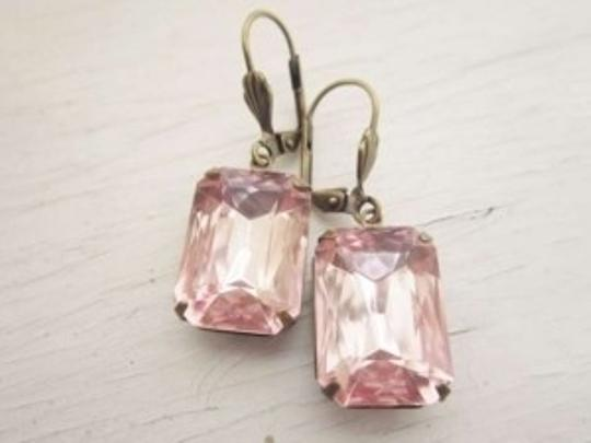 Preload https://item2.tradesy.com/images/blush-pink-earrings-134446-0-0.jpg?width=440&height=440