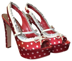 Guess Red and white Platforms