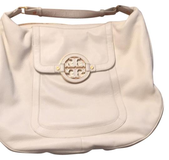Preload https://img-static.tradesy.com/item/13445602/tory-burch-gold-hardware-off-white-leather-hobo-bag-0-1-540-540.jpg
