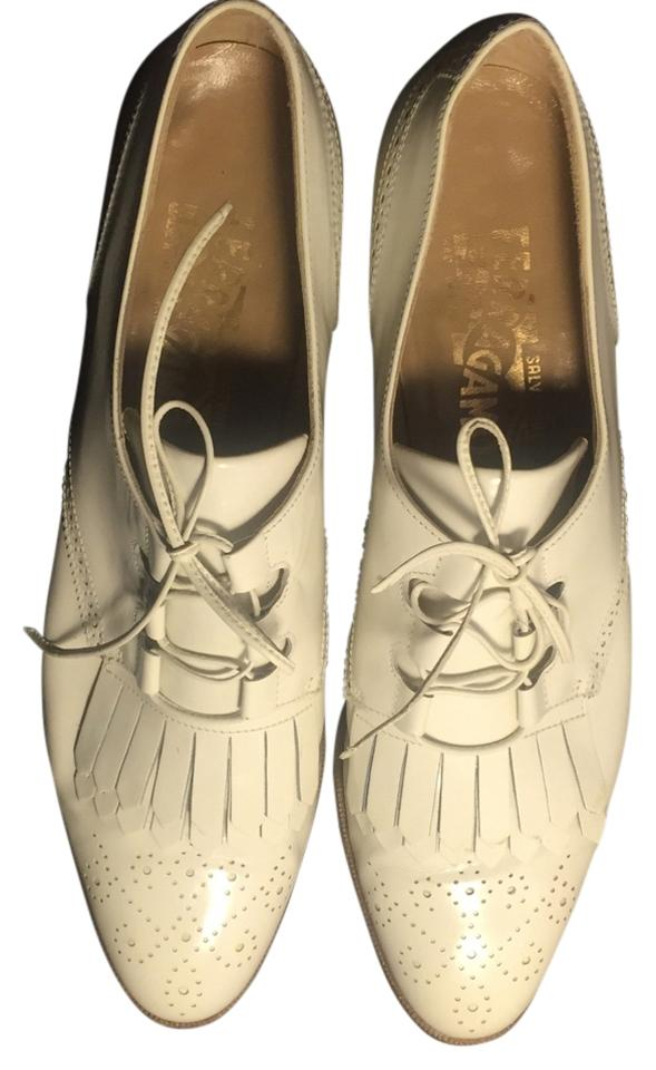 Salvatore Leather Ferragamo White Vintage Patent Leather Salvatore Brogues Flats 59bc41