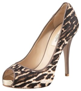 Valentino Calf Hair Leopard print Pumps