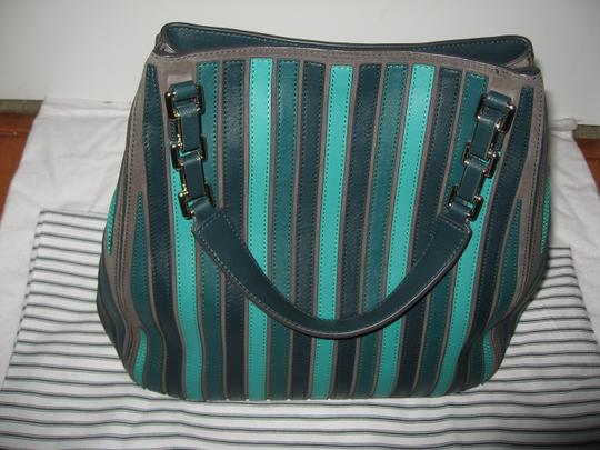 Anya Hindmarch Belvedere Large Tote in Green Image 2