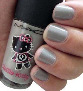 MAC Cosmetics MAC Hello Kitty ON THE PROWL (LE) Nail Polish
