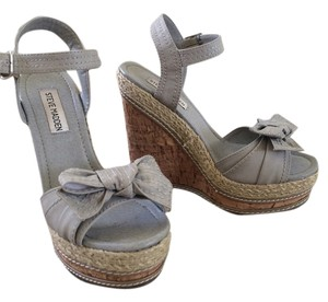 Steve Madden Grey/Tan Wedges